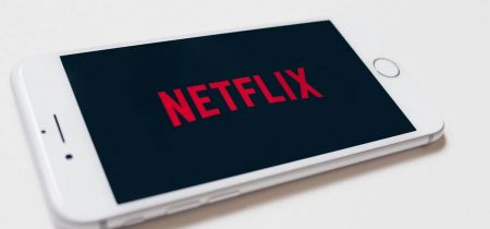 Netflix stock ahead of the earnings: $600 is the next milestone?
